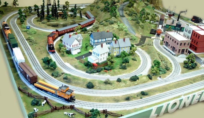 2x4 Model Train Layout HO