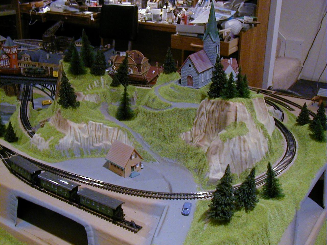 Jayson's 3' X 5' Outstanding N Scale Model Train Layout