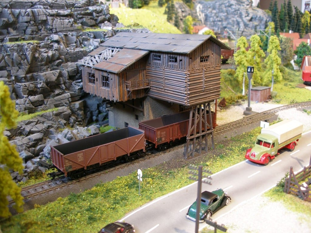 Wonderfully constructed 21 39 x 8 39 marklin ho layout model train photo gallery - Ho train layouts for small spaces image ...