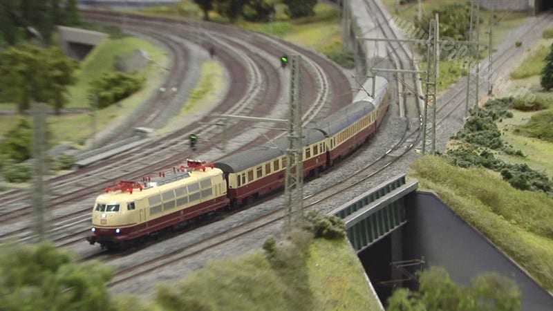 largest model train berlin HO scale railroad photo 03