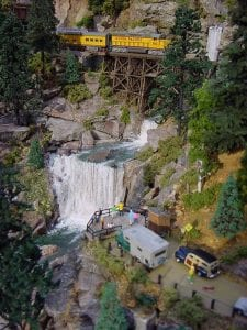n scale model railroad photo